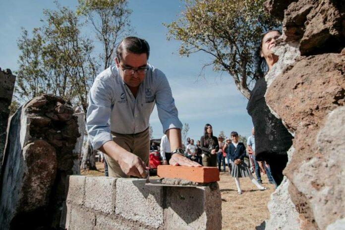 Van 30 mdp a mejoramiento de escuelas en San Juan del Río