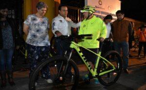 Entregó Luis Nava 20 bicicletas en apoyo a Saca la Bici | Obtura Fotografos