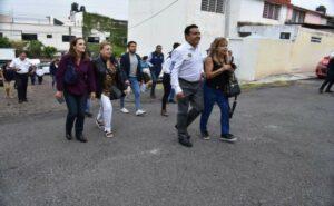 Anuncia Luis Nava reparación de 16 calles de la colonia Loma Dorada | Obtura fotografos