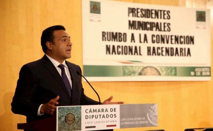 Pide Luis Nava a Diputados incrementar los recursos para municipios