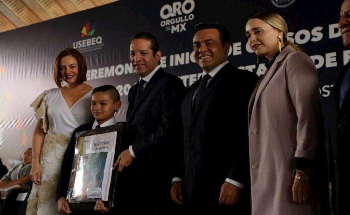 Participan Luis Nava y Arahí Domínguez en el arranque de Ciclo Escolar 2019-2020