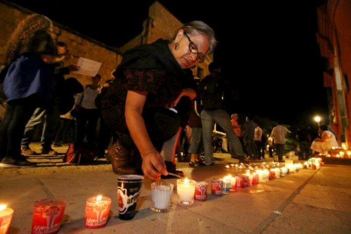 Montan ofrenda en honor a Francisco Toledo en Oaxaca