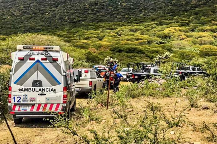 Cae avioneta en Chichimequillas, mueren 2 personas