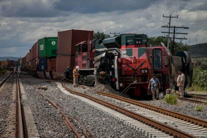 Vuelcan locomotora para robar carga en Querétaro
