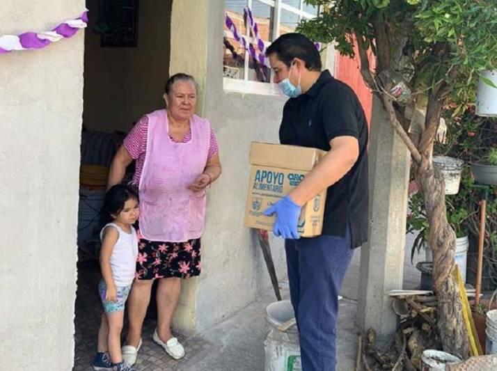Anuncia Memo Vega ayuda a negocios y microempresas de San Juan del Río
