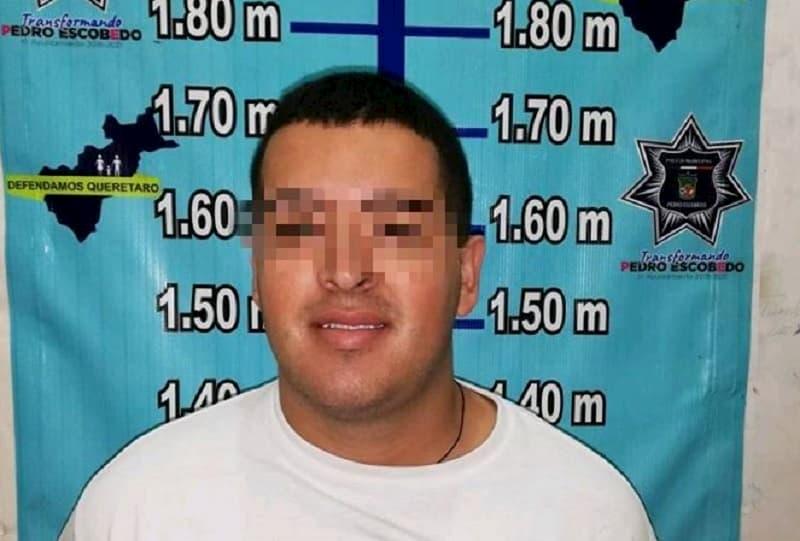 Detienen a colombiano que extorsionaba comerciantes en Pedro Escobedo