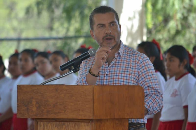 Llama Hugo Cabrera a terminar con parálisis legislativa en Querétaro