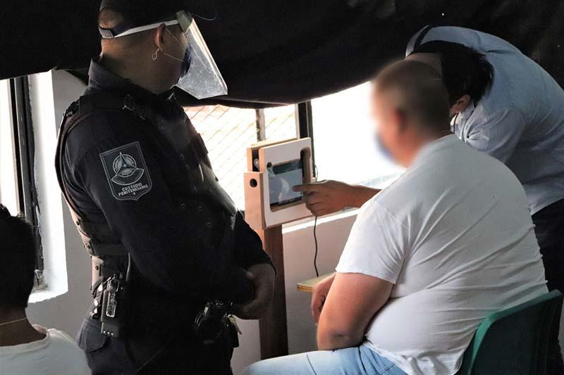 Por Covid-19 permiten videollamadas en CERESOS de Querétaro