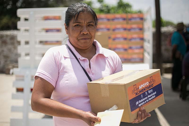 Van 8 mil becas y apoyos alimentarios entregados a familias de SJR Querétaro