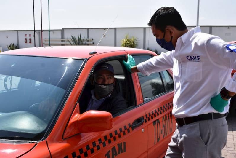 Alcalde otorga gasolina gratis a taxistas de Pedro Escobedo