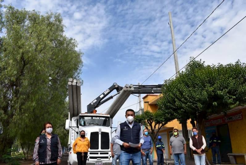 Alcalde da banderazo de inicio a obras en Quintanares Pedro Escobedo