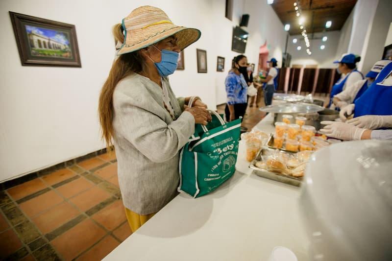 Pone en marcha Memo Vega los 6 Desayunadores Comunitarios en SJR Queretaro