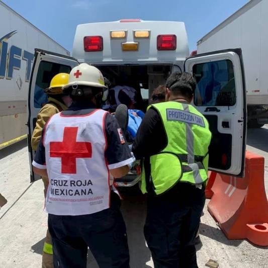 Salva la vida milagrosamente, 2 tráilers los prensaron en SJR Querétaro
