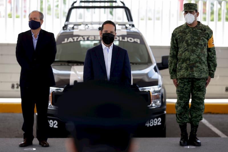 Fortalece gobernador a policías estatales con equipamiento en Querétaro