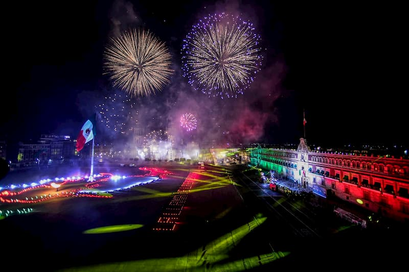 AMLO encabeza 210 Aniversario del Grito de Independencia en México