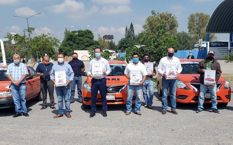 Inicia QROTaxi, la app para solicitar servicio de taxi desde el celular en San Juan del Río