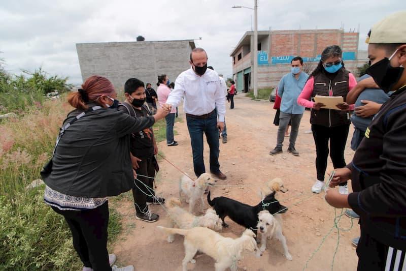 Regidor Germain Garfias gestiona Jornada de Vacunación para zona oriente de SJR