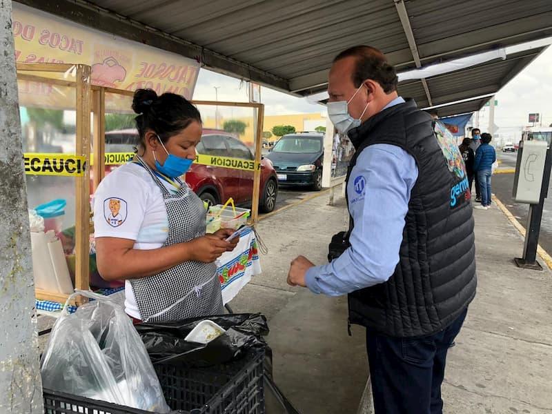 Regidor Germain Garfias visita comercios de Rio Moctezuma en SJR 1 1