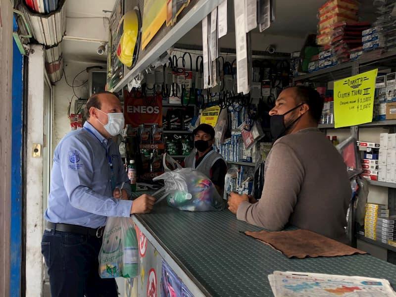 Regidor Germain Garfias visita comercios de Río Moctezuma en SJR