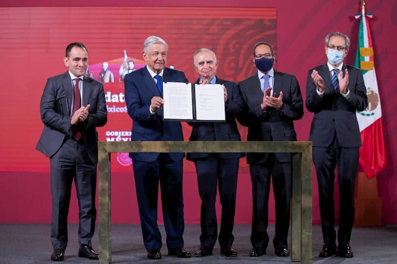 Firma de convenio entre presidente de méxico y sector privado para la reactivación económica