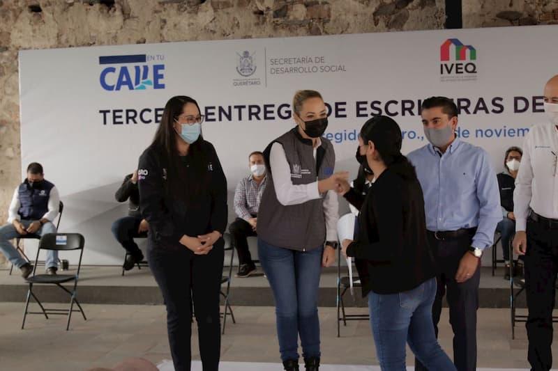 Entregan 85 escrituras en Corregidora, brinda seguridad patrimonial