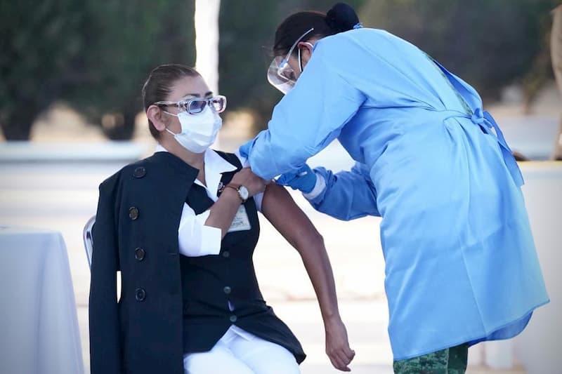 Aplican en El Marqués primera vacuna contra Covid-19 en Querétaro
