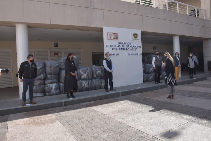 Llama DIF Municipal de Querétaro al donativo de cobijas en favor de quienes más lo necesitan