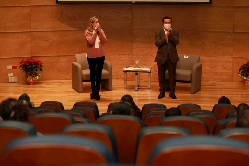 Luis Nava y Arahí Domínguez agradecen labor de trabajadores del DIF Municipal de Querétaro