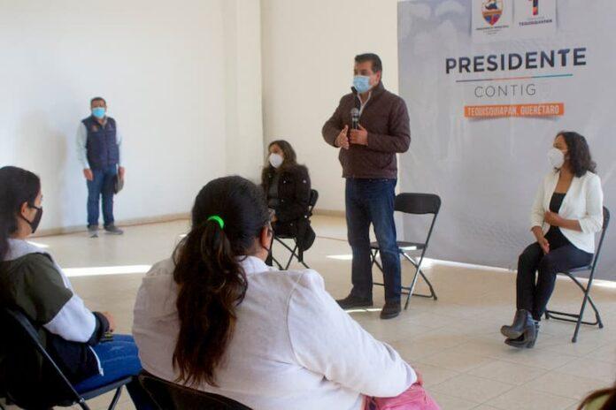Entregan estímulos económicos a promotoras de la educación en Tequis