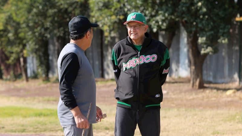 Presidente AMLO recomienda practicar deportes para mejorar la salud