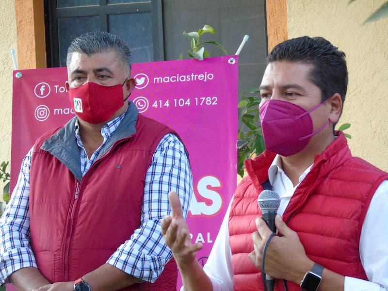 Toño Macías visitó a militantes en comunidades de Tequisquiapan