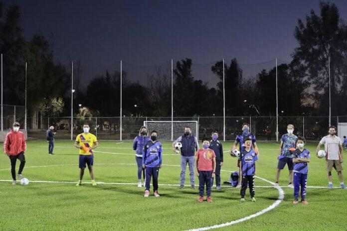Entregaron cancha de fútbol en parque Tejeda, Corregidora