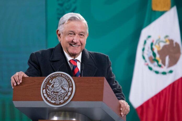Arriban a México más de 600 mil dosis de vacunas Pfizer