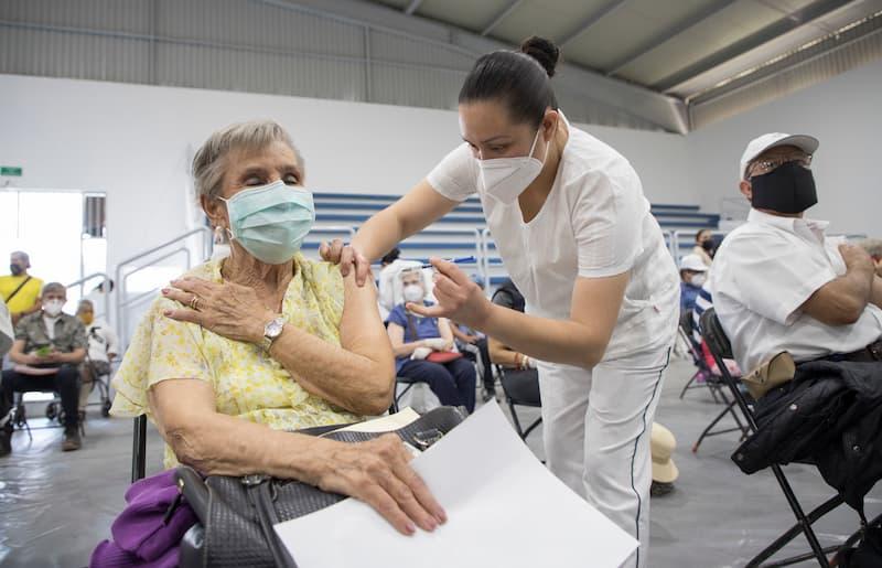 Funciona Unidad Deportiva UAQ como sede de vacunación en Corregidora