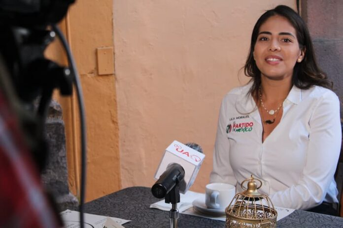 Lilia Morales propone debate con sus contrincantes