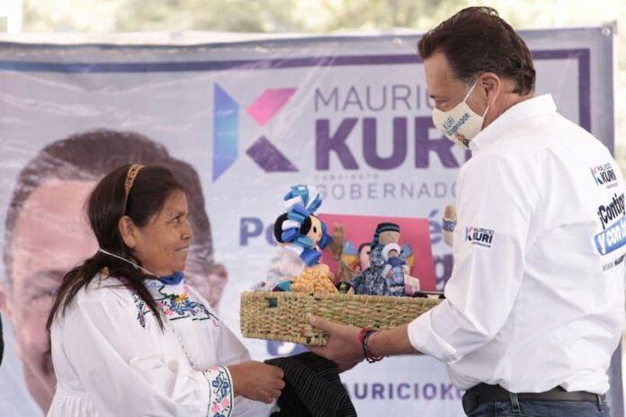 Mauricio Kuri porpone la creación de un Mercado Artesanal en Amealco
