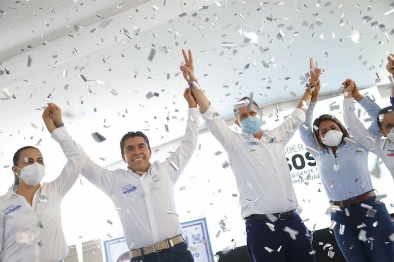 Mauricio Kuri respalda candidatura de Roberto Sosa