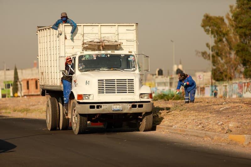 Supervisión y limpieza en los drenes del municipio de Querétaro