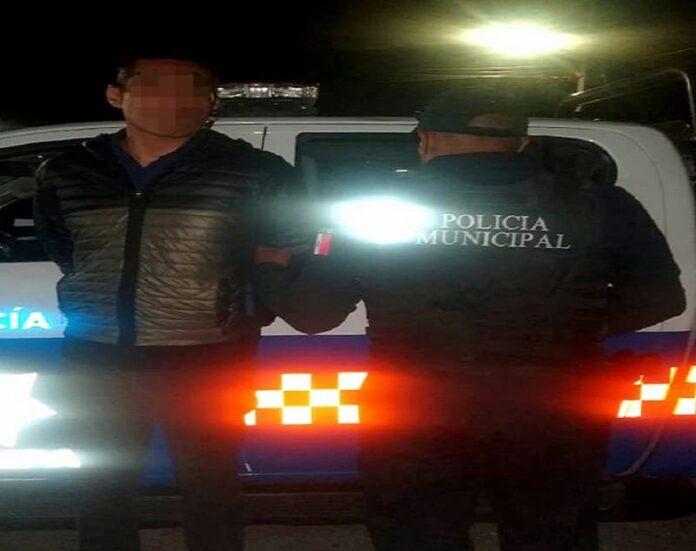 Policías de San Juan del Río detuvieron a 2 sujetos con dinero falso