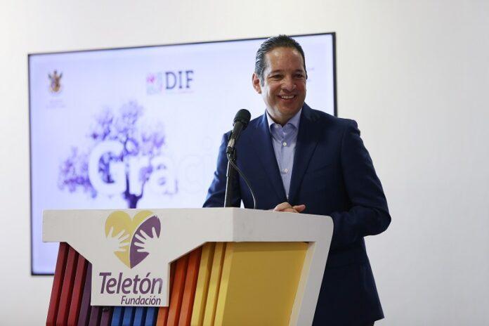 Francisco Dominguez reconoce labor del Hospital Infantil Teleton de Oncologia 3