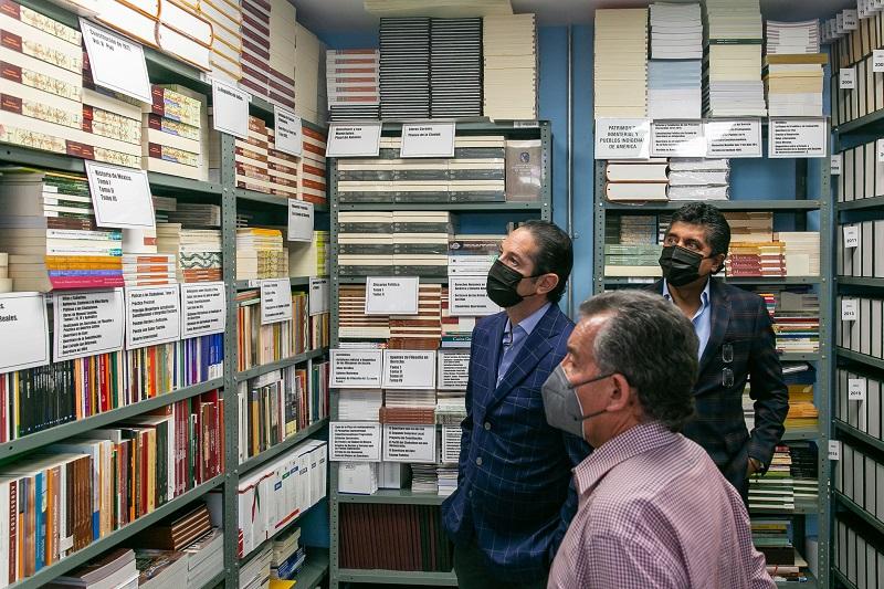 Francisco Dominguez supervisa funcionamiento de imprenta oficial de QRO 1