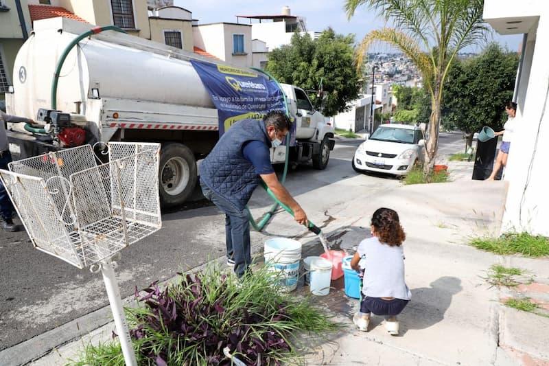24 colonias han recibido apoyo de agua potable con pipas del Municipio de Querétaro