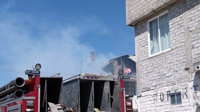 Proteccion Civil de QRO atendio incendio en colonia Valle de San Pedro 2